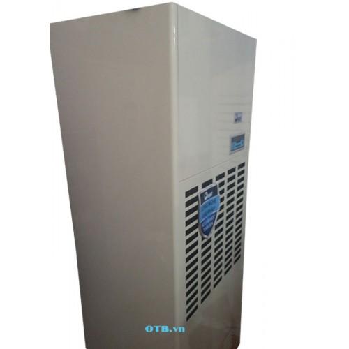 Mặt nghiêng của Máy hút ẩm công nghiệp FujiE HM-2408D (240 lít/ngày)